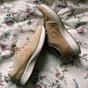 Tan Nike Tennis Shoes